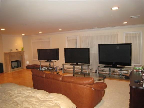 Great game setup / best plasma TV on the market - Fabrice Grinda