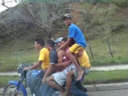 a98098_moto_2-dominican-republic